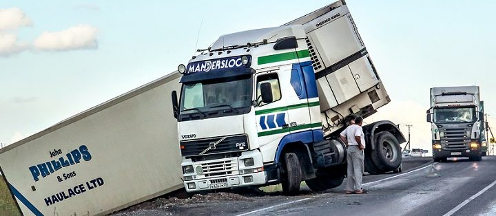 Truck Accidents: Distraction and Negligence